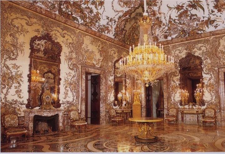 madridde gezilecek önemli yapılar - Palacio Real de Madrid Sarayının içi