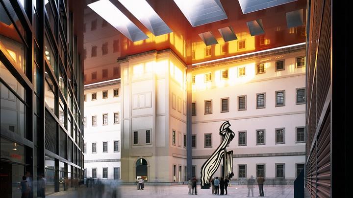 madridde gezilecek yerler - Madrid Reina Sofia Müzesinin içi