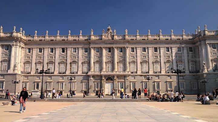 madridde gezilecek yerler - Palacio Real de Madrid Sarayı - madrid sarayı