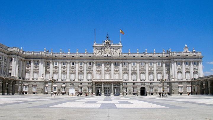madridde gezilecek yerler - Palacio Real de Madrid Sarayı
