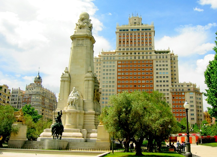 madridin gezilecek en güzel meydanları - Madrid Plaza de Espana Meydanı hakkında bilgi