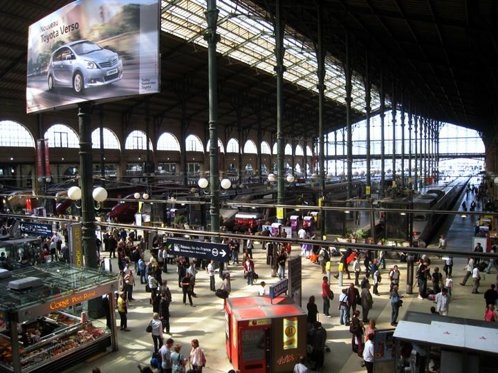 Paris Gare Du Nord Tren sitasyonu -  Paris Tren İstasyonu