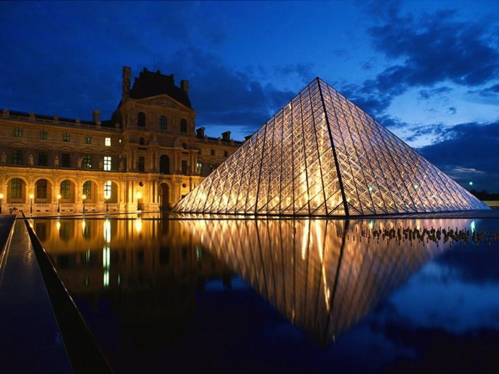 Paris Louvre Müzesinin hikayesi