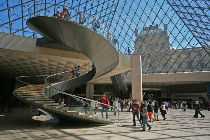 Paris Louvre Müzesinin içi - Paris Louvre Müzesinin içinde sergilenen eserler