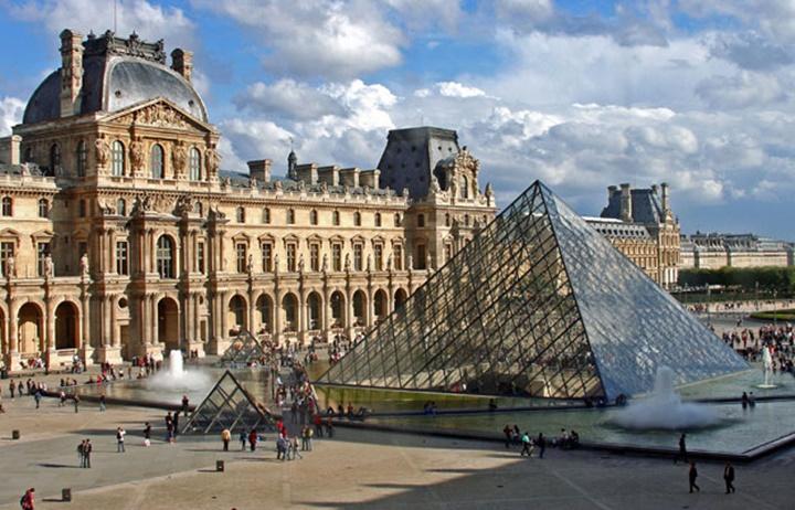 pariste gezilecek yerler - Paris Louvre Müzesi