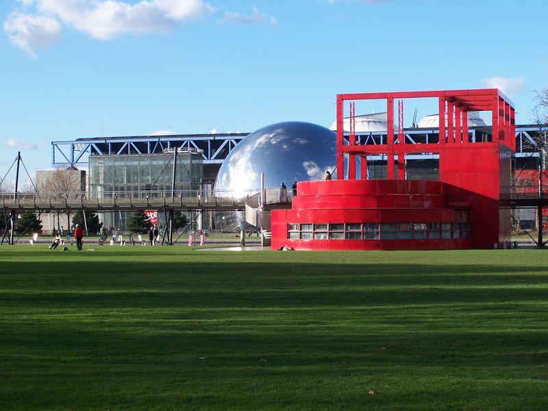 pariste gezilecek yerler - Paris Parc De La Vilette Parkı