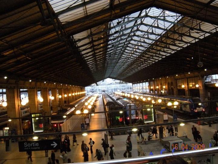 Paris Gare Du Nord Tren istasyonu - Paris Tren İstasyonu