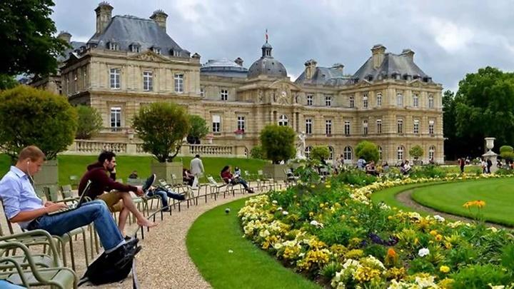 Paris Lüksemburg Sarayı