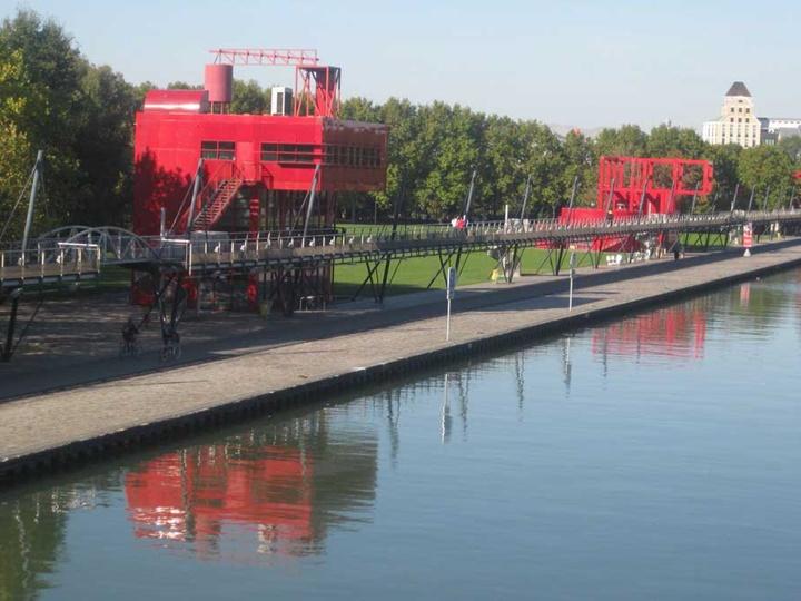 Paris Parc De La Vilette Parkının İçinde Bulunan Yapılar