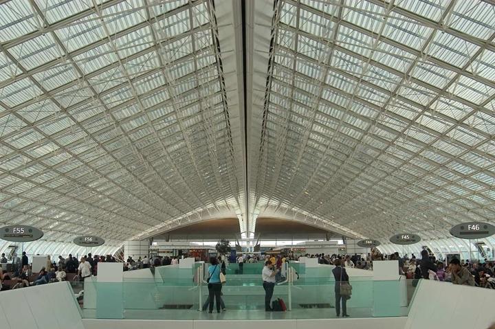 Paris charles de gaulle hava alanının içi