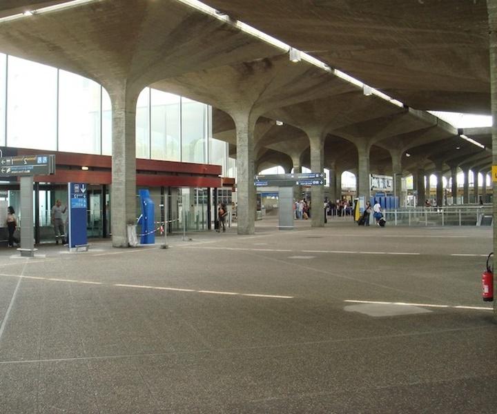 Paris charles de gaulle hava alanında yer alan terminaller