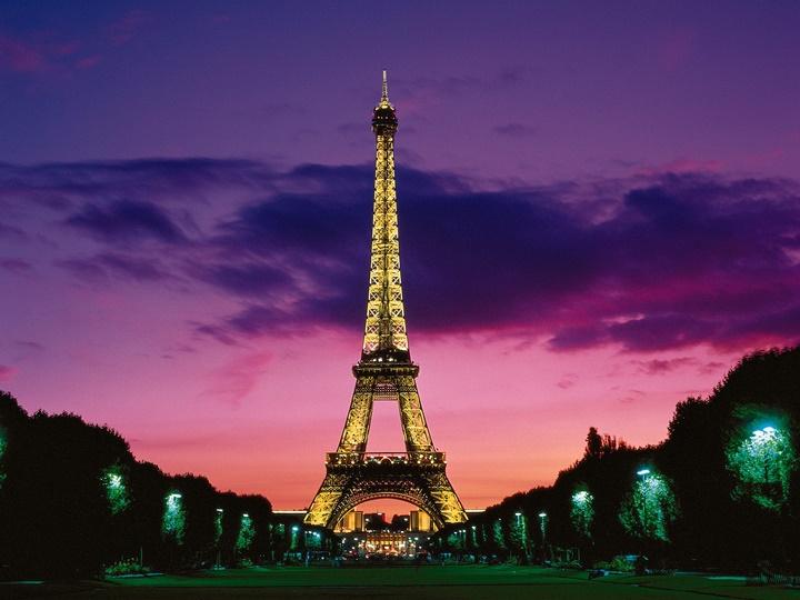 Paris eyfel kulesi ziyareti - eyfel kulesinin gece çekilmiş fotografı