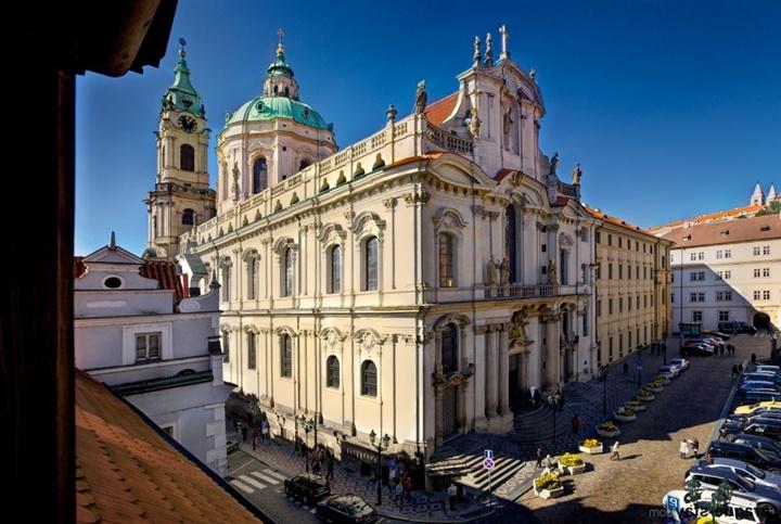 Prag St. Nicholas church kilisesi (lesser town) Hakkında Bilgi