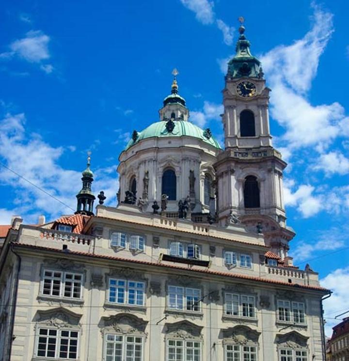 Prag St. Nicholas church kilisesi (lesser town)