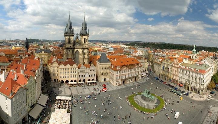 Prag eski şehir meydanının hikayesi