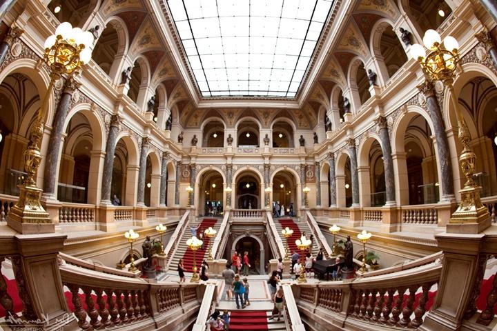 Prag ulusal müzesinin hikayesi - Prag ulusal müzesinde sergilenen eserler