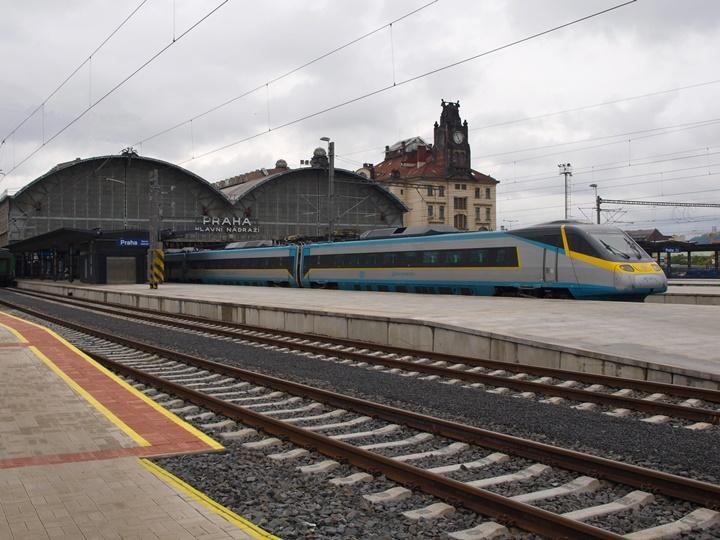 Pragda-tren-ulaşımı.jpg