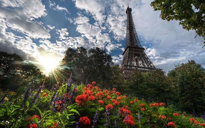 pariste yaz ayları