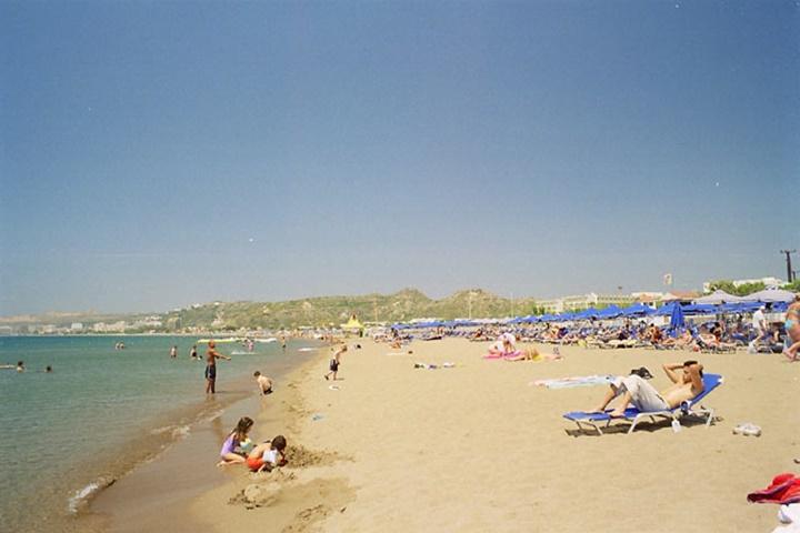 Rodos Faliraki plajı