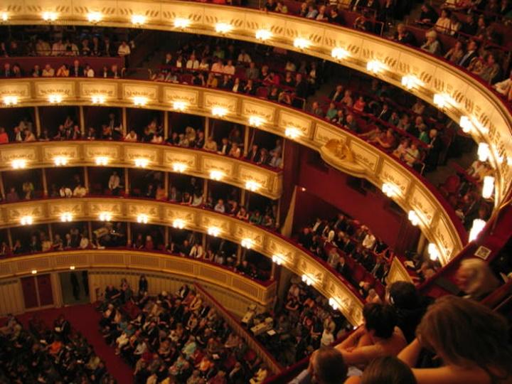 Viyana Devlet Opera Binasının içi