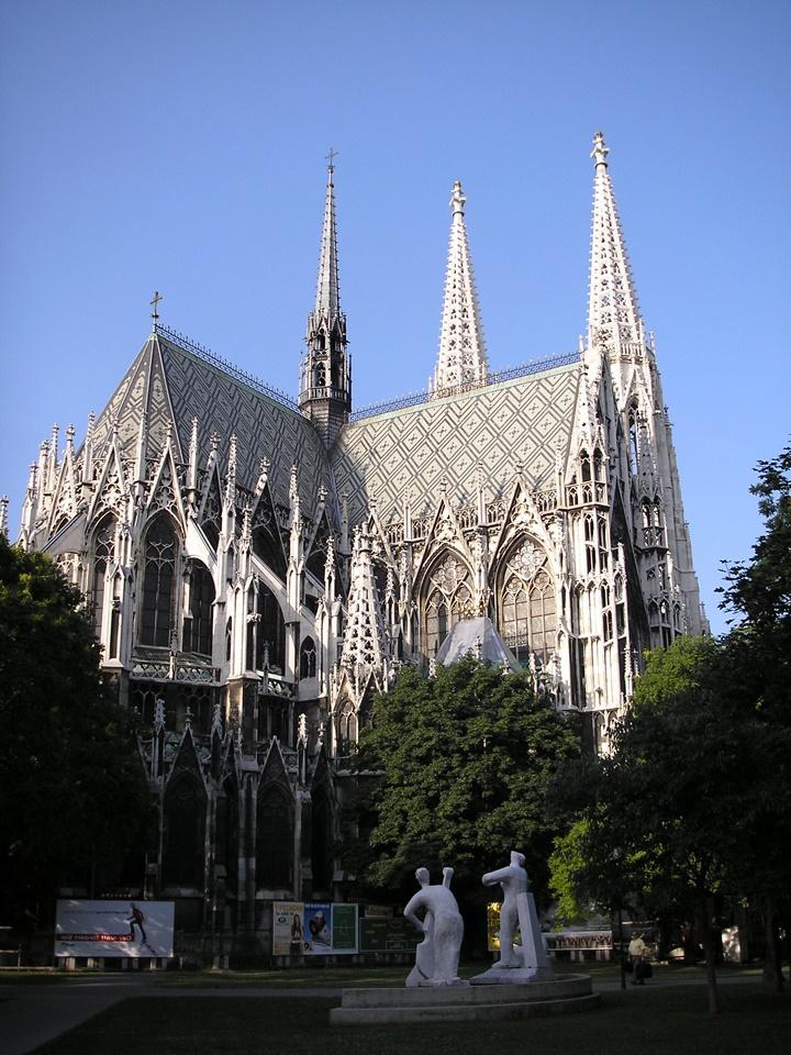 Viyana-votive-kilisesinin-hikayesi.jpg