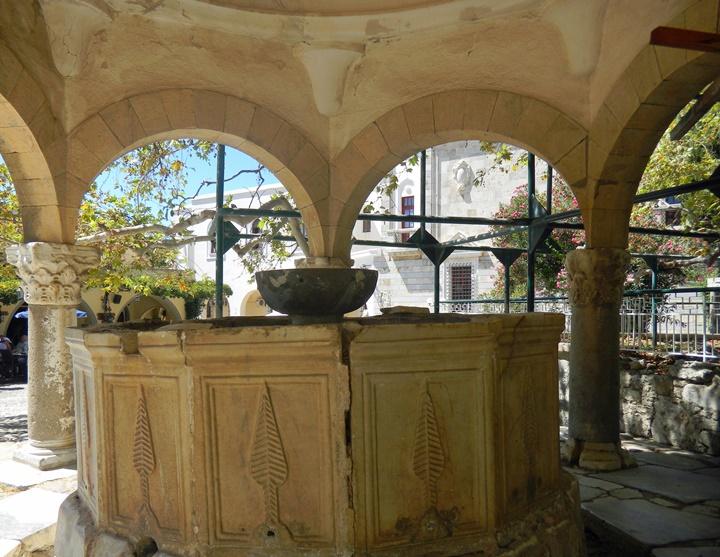 La fontaine de la mosquée du pacha Gâzi Hassan à Kos