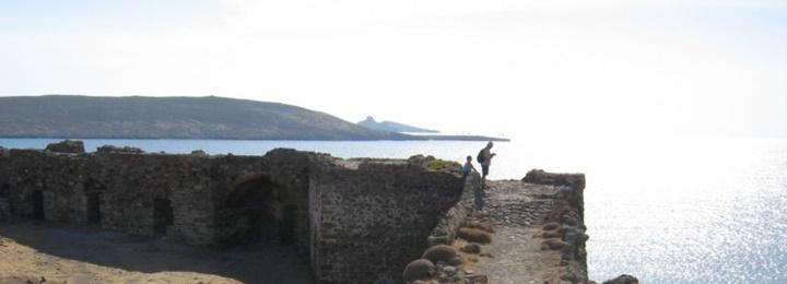 Midilli Sigri Kalesi Hakkında Bilgi - midiili adasında gezilecek yerler