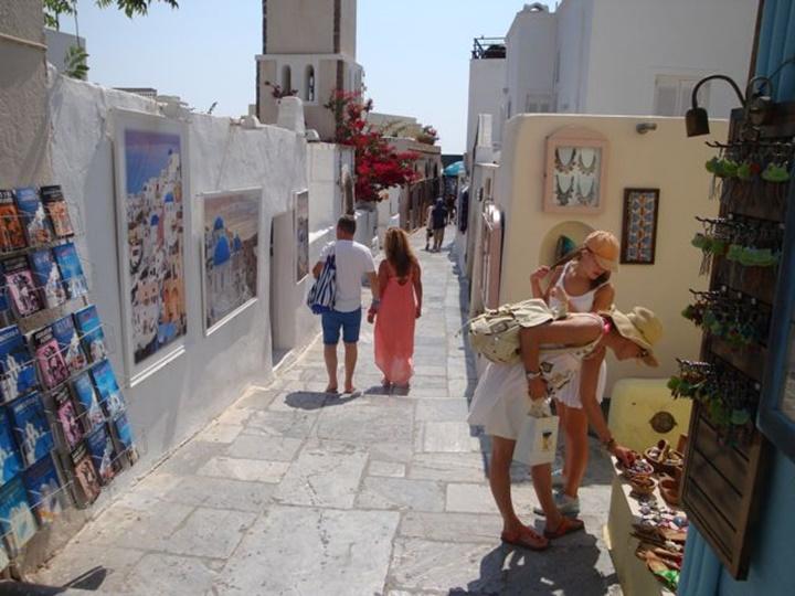 Santorini adasından alınabilecek hediyelik eşyalar