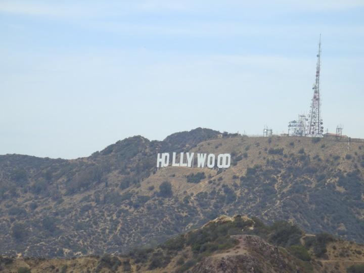 Hollywood-Yazısını-Görebileceğiniz-Yerler