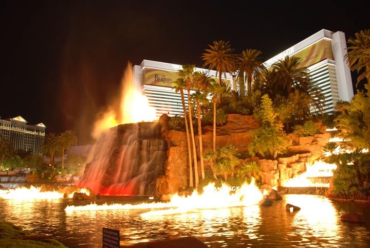 las Vegas mirage Hotel & casino - las vegas volkan show