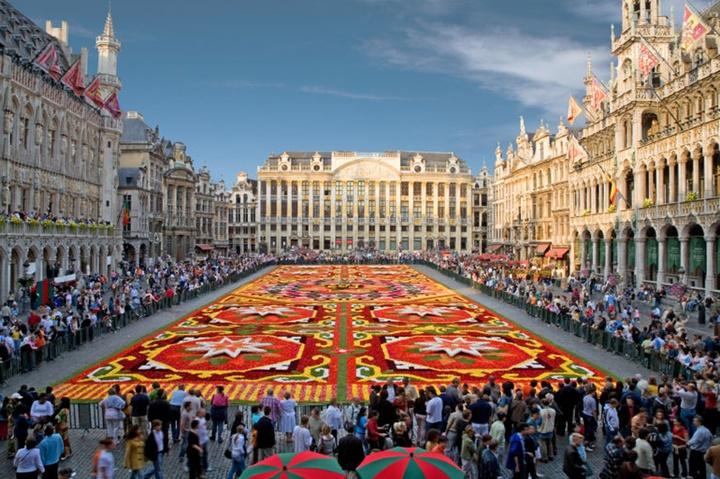 Brüksel Grand Place Meydanı