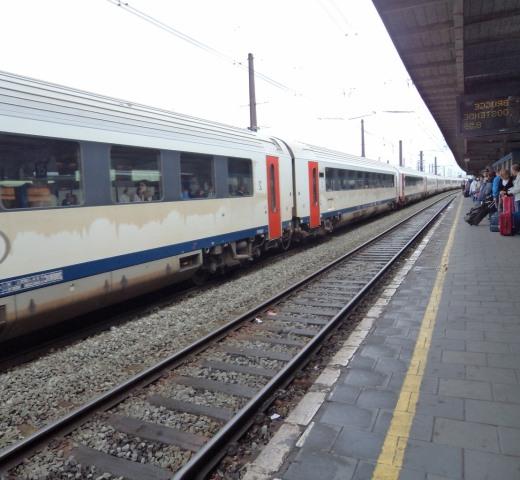 Brugge Brüksel arası kaç saattir