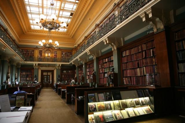 Londra Victoria ve albert müzesinin içi