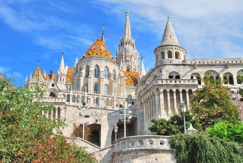 Budapeşte matyas kilisesi ve balıkçı tabyası