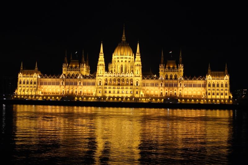 Budapeşte parlemonto binası