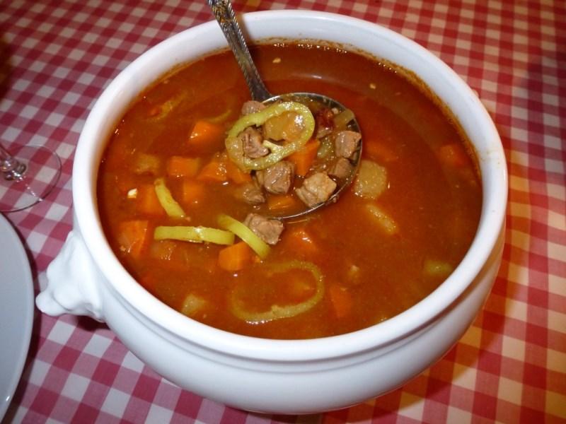 Gulaş çorbası nasıl bir yiyecektir
