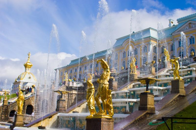 St. petersburg büyük petronun yazlık sarayı