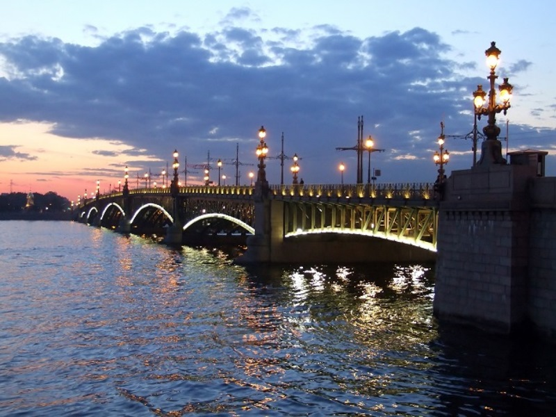 St.-Petersburg beyaz geceler hakkında bilgi.