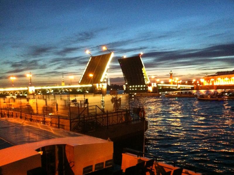 St. Petersburg beyaz geceler tarihleri