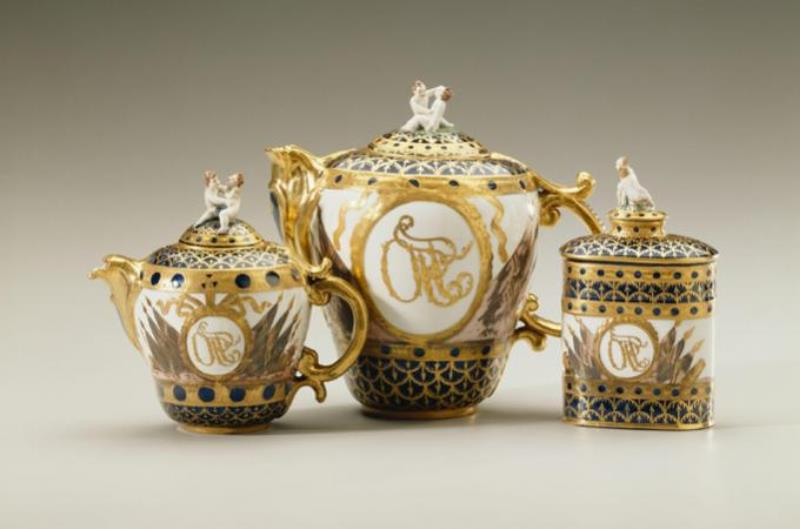 rus porselenleri