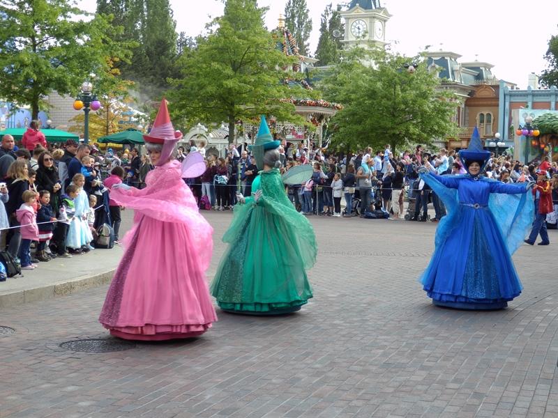 Disneyland karakter dansları