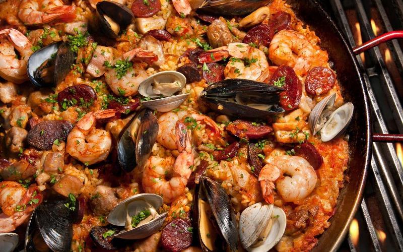 barcelonada-yeme-icme-barcelona-paella-nasil-bir-yemektir