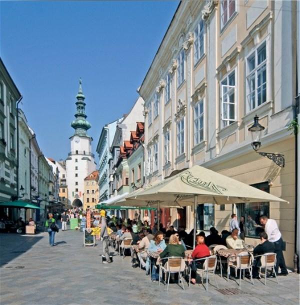 Bratislava Slovakya gezilecek noktalar