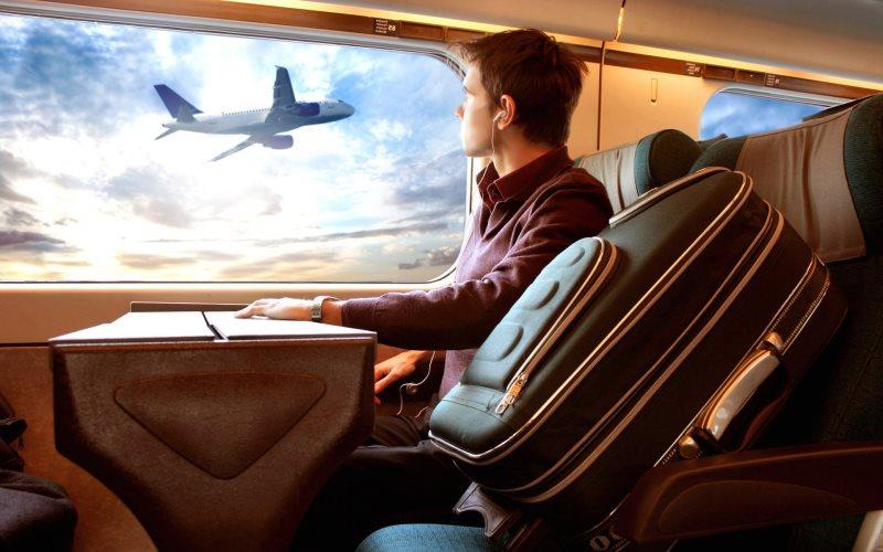 Uçaklarda el bagajında çakmak yasak mı