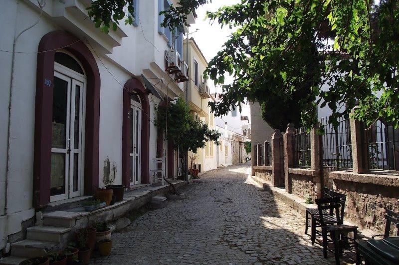 Bozcaada sokakları ve evleri