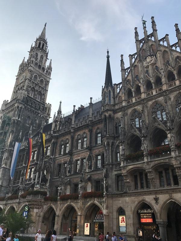 Münih Marienplatz