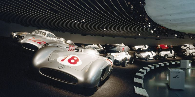 Stuttgart Mercedes Benz müzesi
