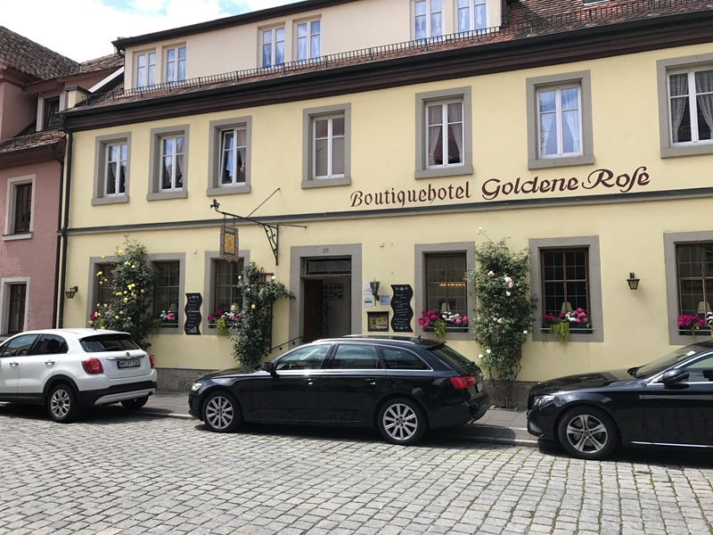 romantik yol Rothenburgda konaklama